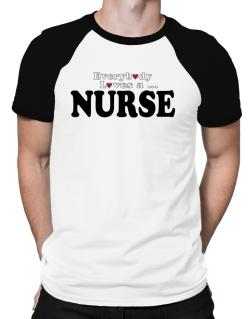 Polo Raglan de Everybody Loves A Nurse